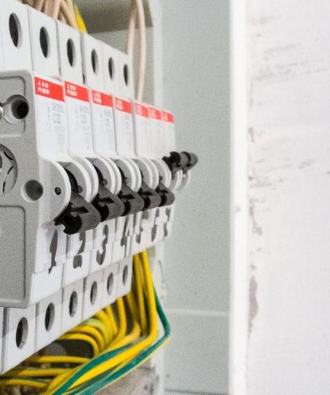 Как правильно выбрать автомат для замены старого в электрощите?